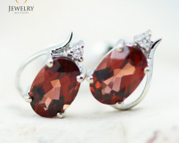 14 KW White Gold Garnet & Diamond Earrings - 133 - E E9753 1300 GARNET