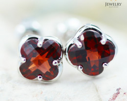 14 KW White Gold Garnet Earrings - 143 - E E3991 1350