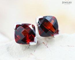 14 KW White Gold Garnet Earrings - 153 - E E3886 1600 GAR
