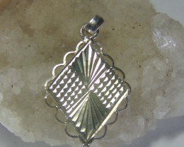 faceted pendent ~ ~ 999 silver designs 13.00cts
