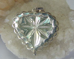 999 silver designs~faceted pendent ~  20.75cts
