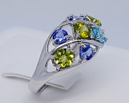 Natural Blue Tanzanian Tanzanite And Peridot 925 Silver Ring (JE73)
