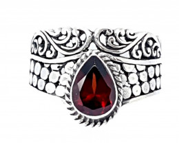 21 Carats Natural Garnet 925 Silver Ring Hand Made