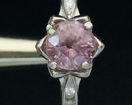 Lovely Naturalpink  Sapphire 1.30 ct Transparent White Rhodium 925 Sterling