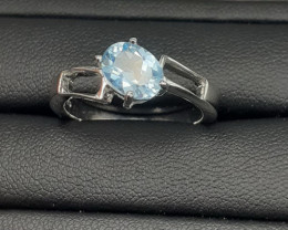 Natural Nice Swiss Blue Color Topaz In 925 Silver Ring
