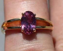 GIA Certified Pink Purple Sapphire 1.53ct Solid 18K Yellow Gold Solitaire,U