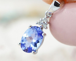 Natural Tanzanite in Gold 10K Pendant F11
