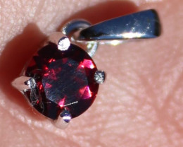 Umbalite Garnet 1.22ct Solid 925 Sterling Silver Rhodium Finish Pendant