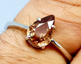 Natural Yellow Zircon 925 Sterling Silver Ring (NJT70)