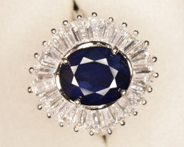 Stunning Sapphire Ring with Zircons