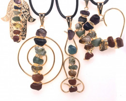 5 x Different Chakra Pendant Gold - BR 1034