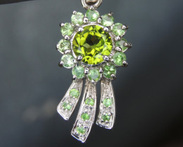 2.37cts Peridot with Tsavorite in Silver