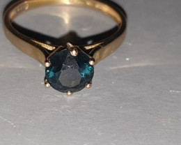 Solitaire Sapphire and 9 Ct gold ring