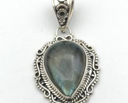 30.69 Crt Natural Labradorite 925 Silver Pendant