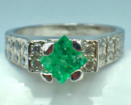 0.40 Ct Natural Emerald Gemstone. Silver 925 Ring DEM 63