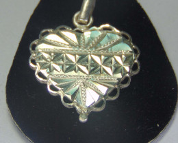 999 silver designs~faceted pendent ~  16.70cts