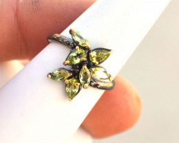 Peridot Ring in Sterling Silver -- 3.01 Grams