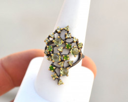 Peridot Ring in Sterling Silver -- 4.68 Grams