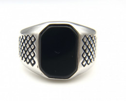 28.18 Crt Natural Black Onyx 925 Silver Ring