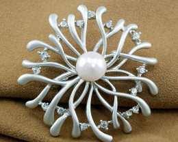 Cultured Pearl Floral Brooch
