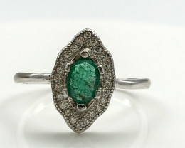 13.17 Crt Natural Emerald With Cubic Zircon 925 Silver Ring