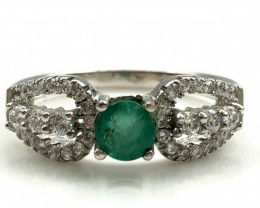 16.67 Crt Natural Emerald With Cubic Zircon 925 Silver Ring