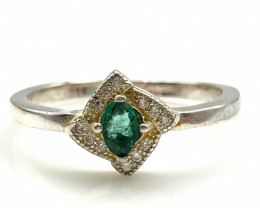 13.41 Crt Natural Emerald With Cubic Zircon 925 Silver Ring