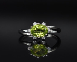 EXCLUSIVE RING Made with Genuine PERIDOT  and Sterling Silver GR759