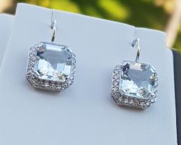 Stunning 18KT White Gold Aquamarine Diamonds Earring