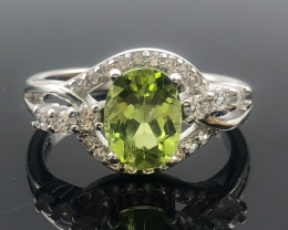 14.85 Crt Natural Peridot With Cubic Zircon 925 Silver Ring