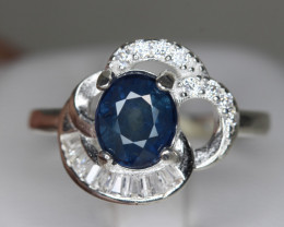 Lovely Natural Royal Blue Sapphire 2.29 cts Transparent White Rhodium 925 S