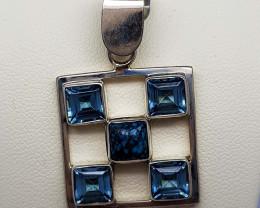 30 CT Blue Topaz & Turquoise 925 Silver Pendant