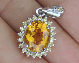 """3.81cts, """"Yellow Beryl"""" Pendant, with Sapphires in Silver"""