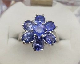 Beautiful Tanzanite Ring with Silver 925