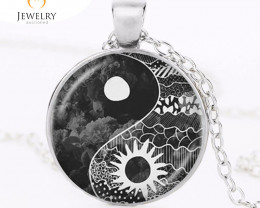 Yin Yang Sun and Moon Pendant for  M or F  OPJ 2567