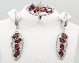 Natural Rhodolite Garnet Set With White Zircons In Silver