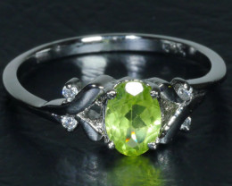 BEAUTY NATURAL PERIDOT 925 Sterling silver Ring Size ...7 (US)