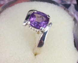 4 Carats  Spinel  Rings