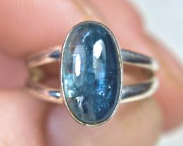 18.0 Carat Sterling Silver / Labradorite Ring - Size 6 - Beautiful