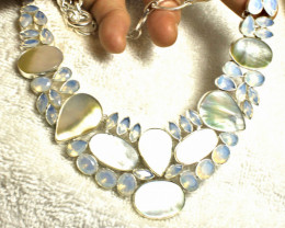501.0 Tcw. Mother of Pearl, Sterling Silver Necklace - Gorgeous