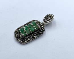 NATURAL EMERALD PENDENT CLASSIC DESIGN AR16