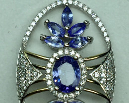 Natural Beautiful Tanzanite Pendant  With A 925 Starling Silver.