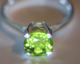 Peridot 1.20ct Platinum Finish Solid 925 Sterling Silver Ring        Size 3