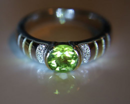 Peridot 1.20ct Platinum Finish Solid 925 Sterling Silver Ring     Size 8.75