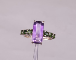 Natural Amethyst and small chrome diopside ring