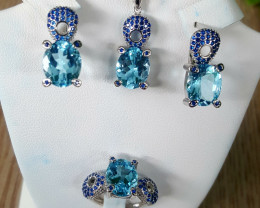 Gorgoues swiss Blue topaz set.