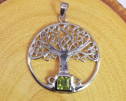 New Design Peridot Pendant in Silver 925
