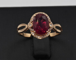 Natural Beautiful Oval cut Rubyllite and diamond whit 18K Gold ring