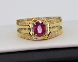 Natural Top beautiful Oval cut  Ruby and diamonds in 18K Gold Ring