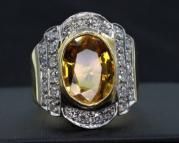 Natural Top beautiful Oval cut Yalow sapphire and diamonds in 18K Gold Ri
